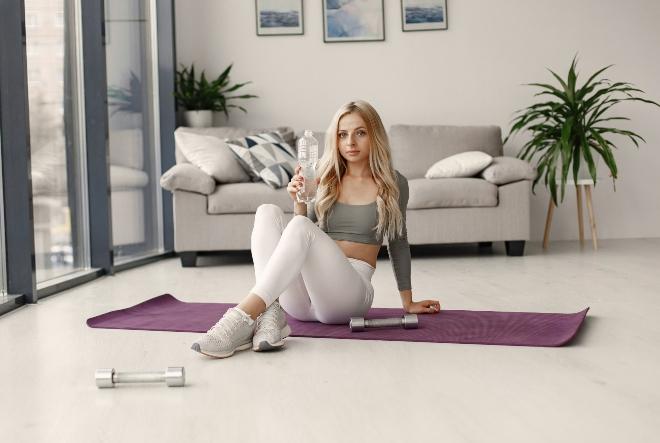 Vježbajte kod kuće i pobijedite kilograme