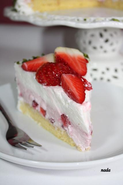 Jogurt torta s jagodama