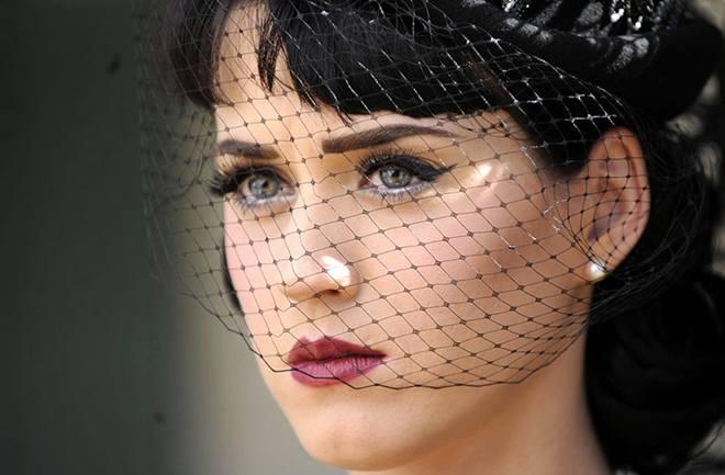 Katy Perry ostavljena preko sms-a