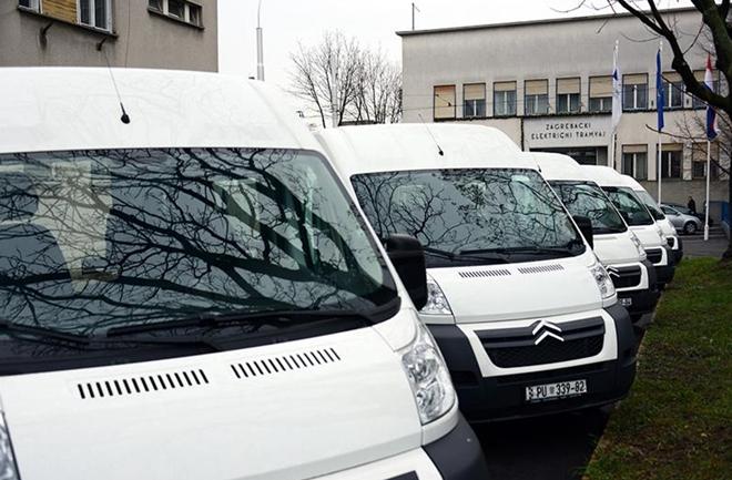 Pet novih kombija za prijevoz osoba s invaliditetom