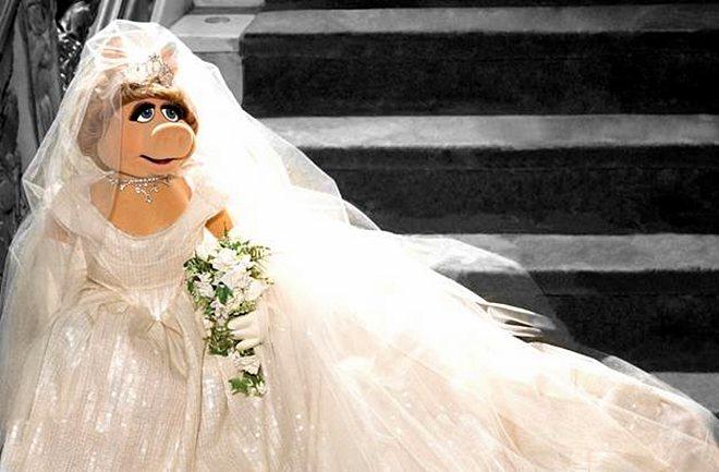 Miss Piggy u vjenčanici Vivianne Westwood