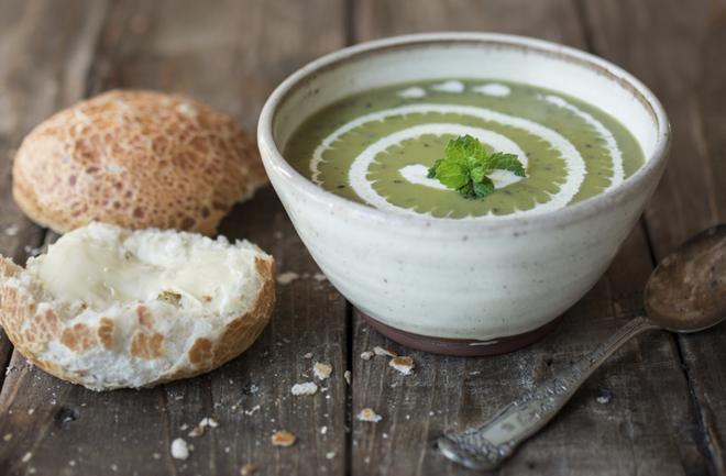 Proljetna juha od graška i mente