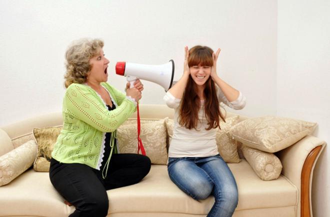 Iva Sabolek: Kada majka upravlja vašim životom