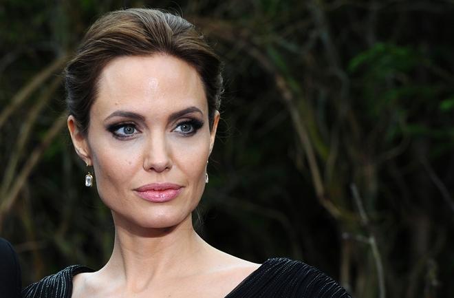 Angelina Jolie ne jede zbog osjećaja krivnje