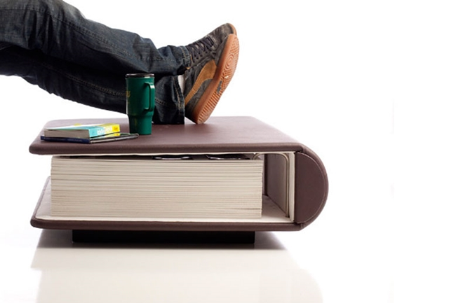 stol knjiga