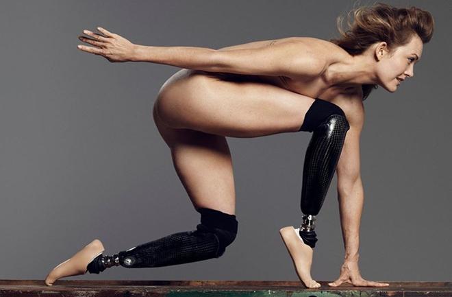 Paraolimpijka Amy Purdy potpuno gola