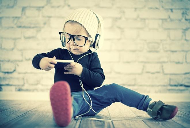 Kada je najbolje djetetu kupiti mobitel?
