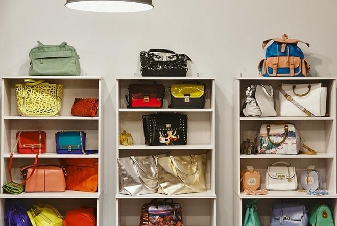 Treba vam torbica za izlazak? Unajmite ju!