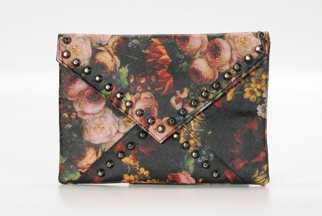 Modna preporuka: cvjetni uzorak na modnim dodacima