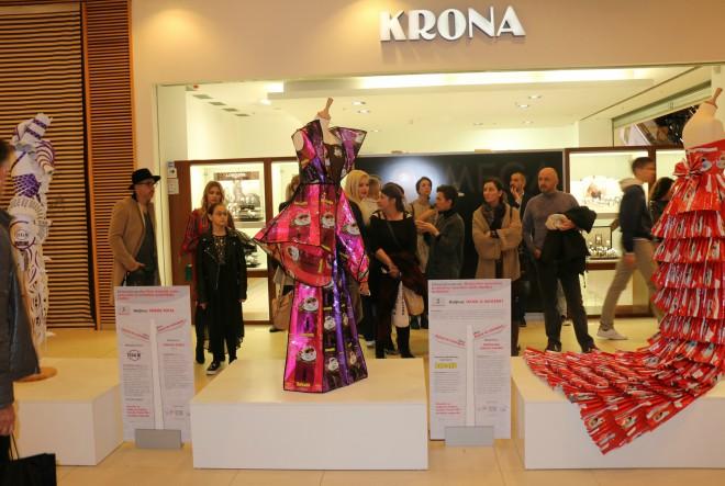 Otvorena 5. jubilarna izložba haljina od ambalažnih materijala