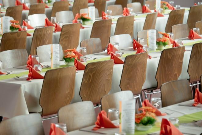 banquet-453799_1920