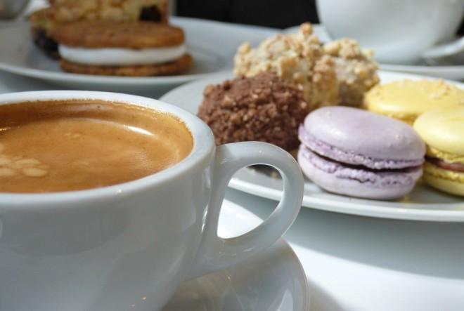 kava, kolači