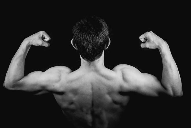 Kako oblikovati tricepse
