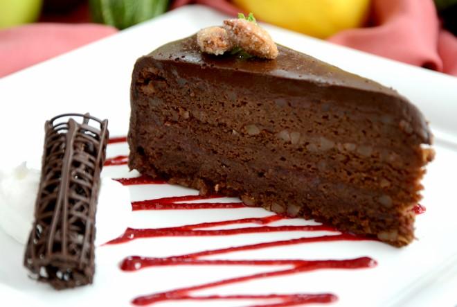 Energetska čokoladna torta od malina i đumbira