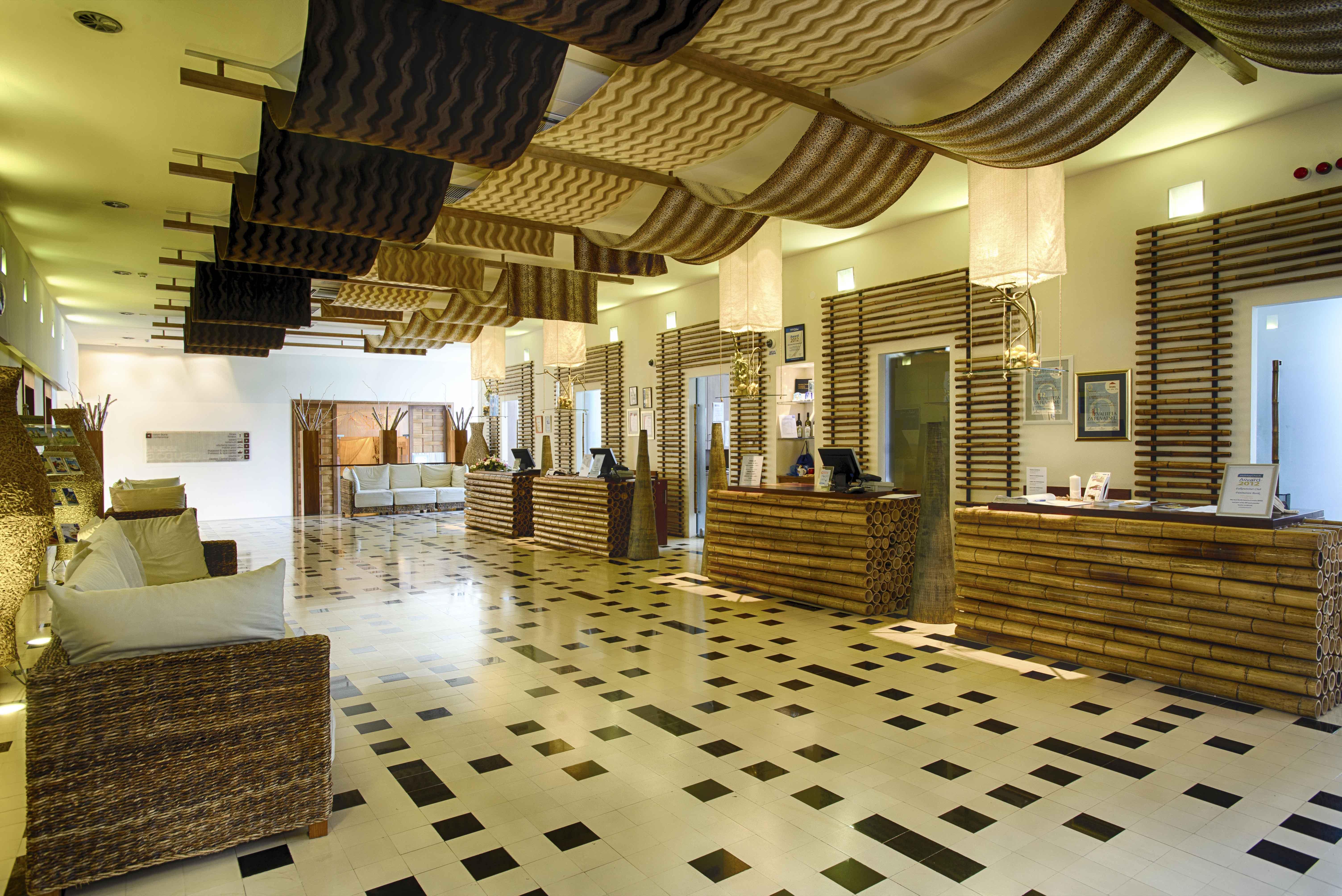 club-funimation-borik-lobby
