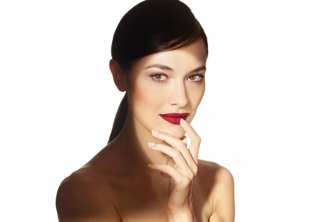 Sofisticirani mat izgled na usnama u trenu!