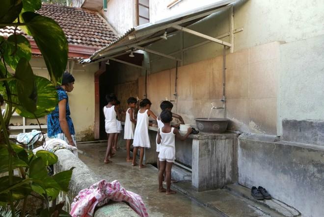Pokrenimo lavinu dobrote za djecu na Šri Lanci