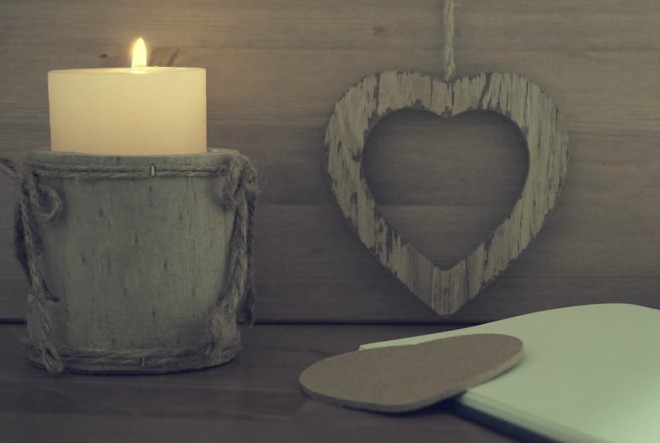 heart-candle-wooden-notebook-163093