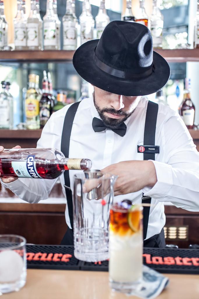 Ivan Mandarić, barmen Joe's bara - 03