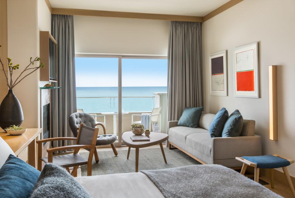 Malibu Beach Inn Room 101 Bedroom 2