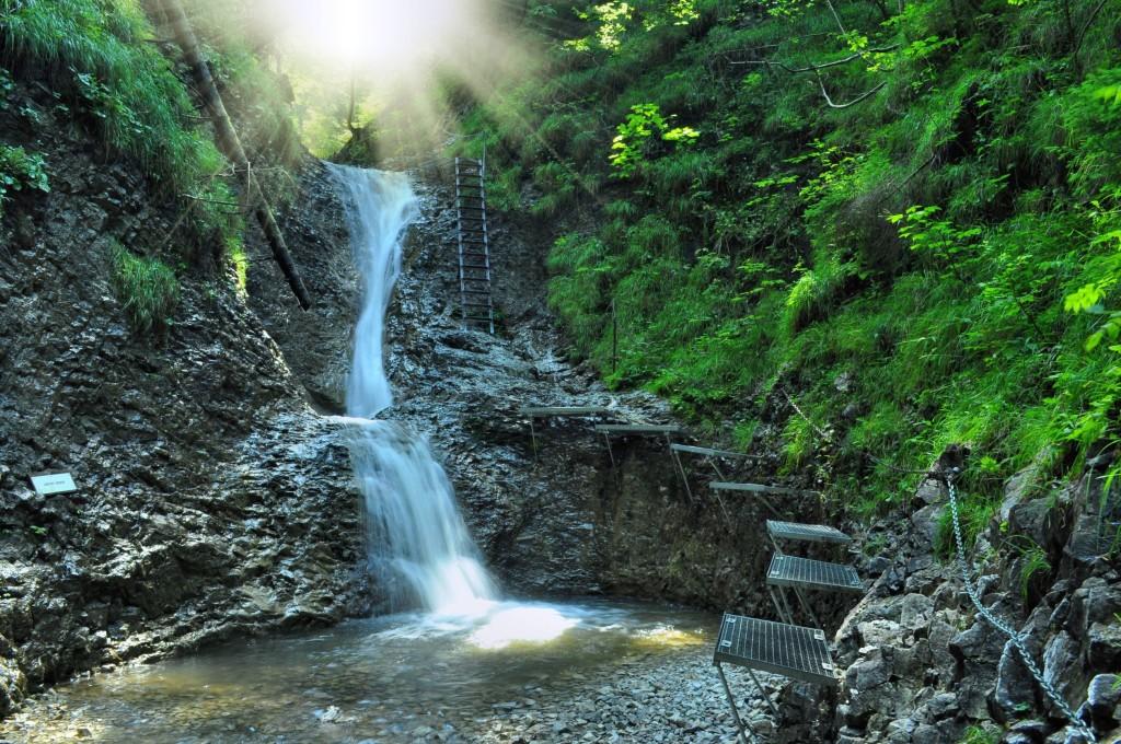 7594193 - nice path through slovak paradise