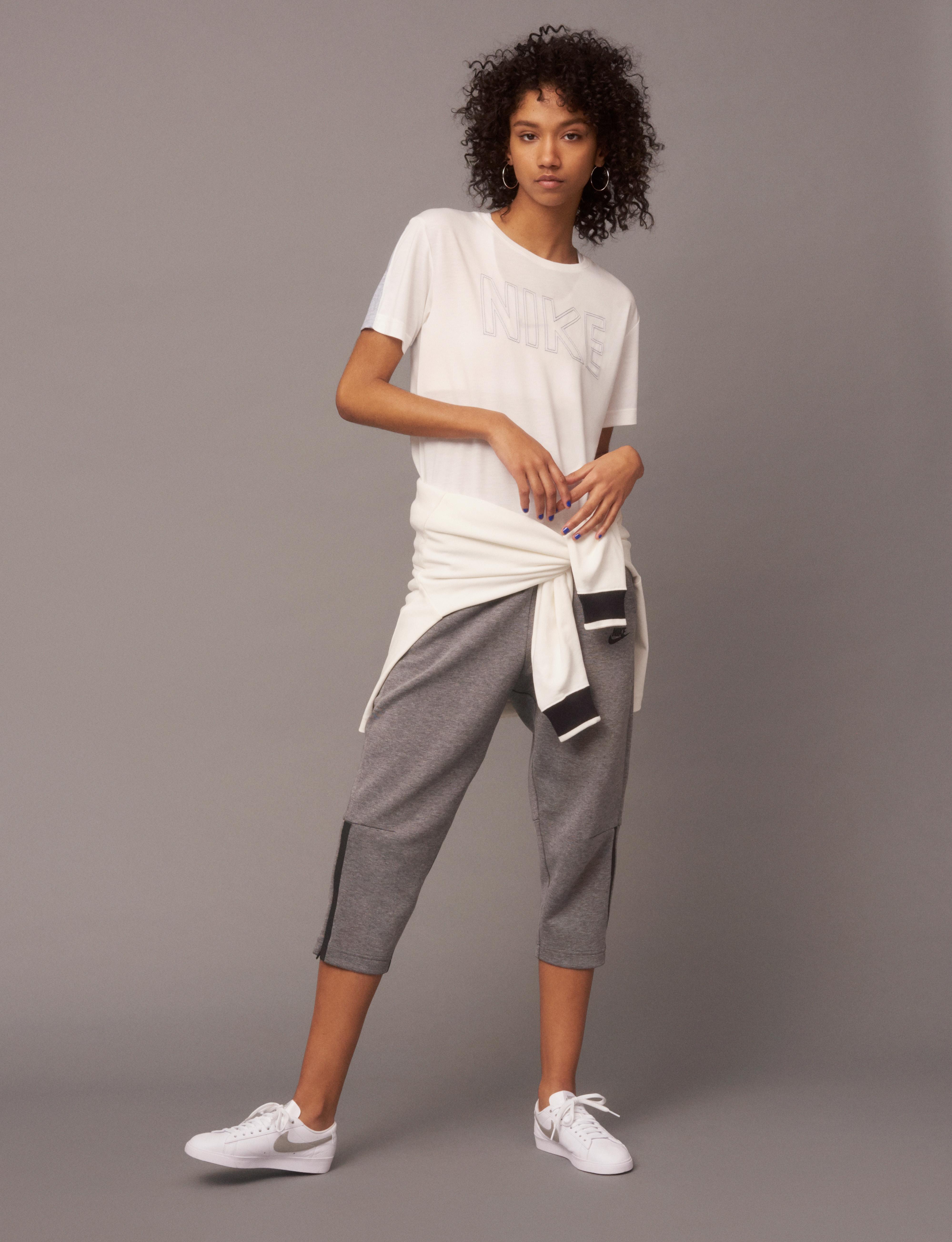 NikeWomen FA 17 Collection Look 14