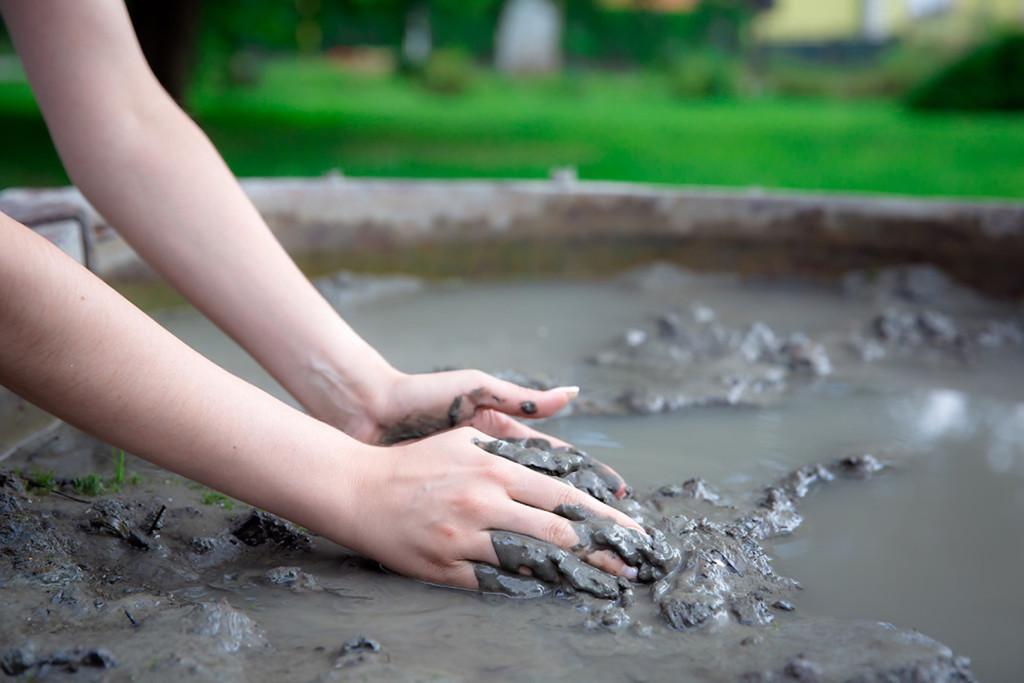 Termalno blato na izvoru