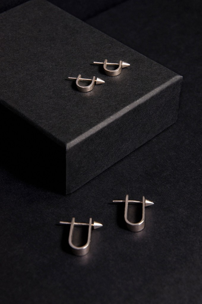 hooks-sm-l-earrings-0180_orig1