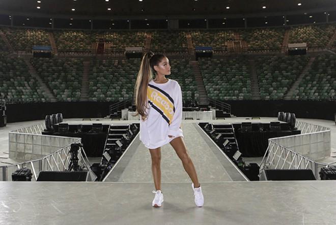 Ariana Grande nosi Reebok!