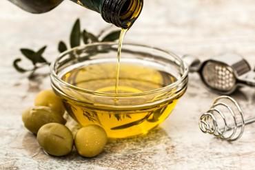 Koja je razlika između maslinovog ulja i djevičanskog maslinovog ulja?