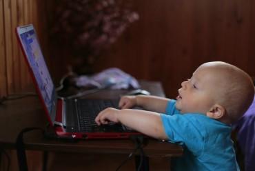 Što znamo o medijskoj pismenosti i sigurnosti djece na internetu?