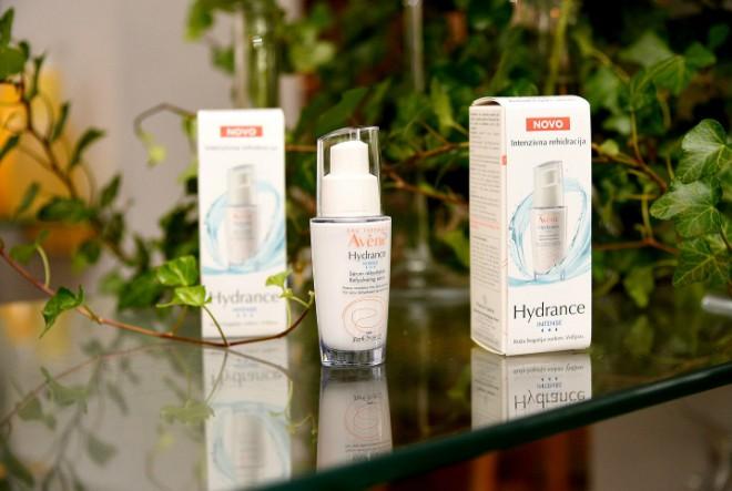 Moćan serum za dehidriranu i osjetljivu kožu