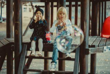"""Adopta upozorava: Pojam """"posvojenje"""" ne smije biti zloupotrijebljen za trgovinu djecom"""