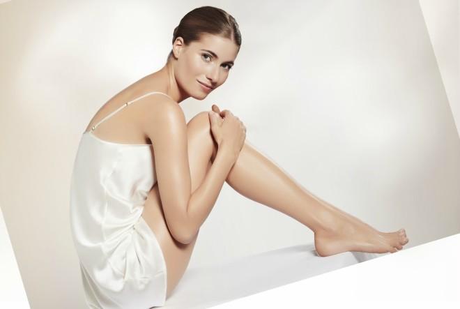 Avon Justine ulje za lice i tijelo jedinstvena je kombinacija dragocjenih ulja za njegu