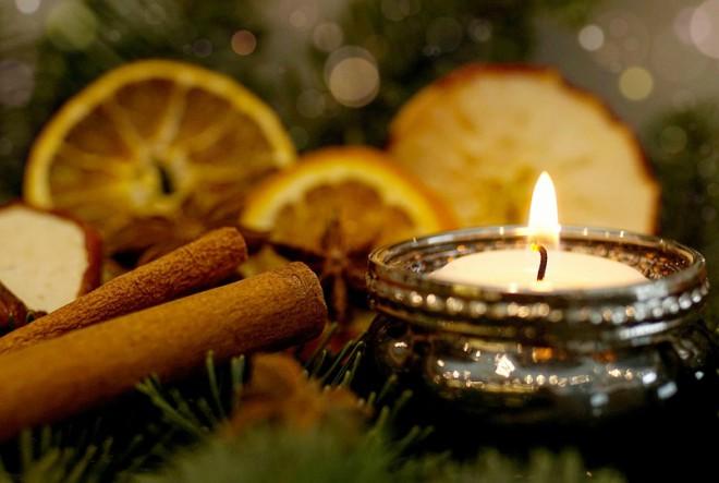 Božićni stilovi, moderni mirisi