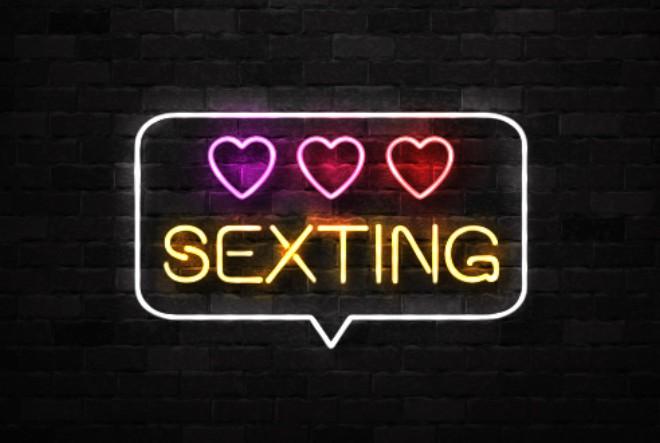 Seksting i utjecaj društvenih mreža na seksualni život današnjice