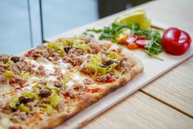 Pizza karakterističnog četvrtastog oblika oduševit će sve koji posjete lokal Pelati u samom centru Zagreba