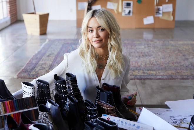 Rita Ora dizajnirala kolekciju obuće u suradnji s DEICHMANNOM