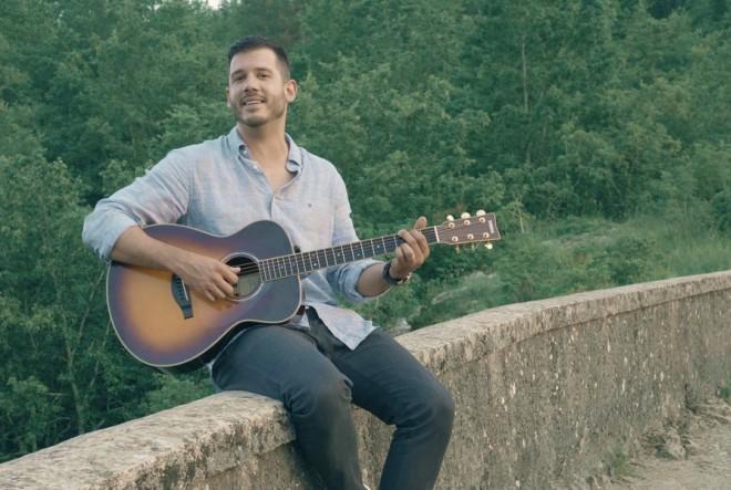 'Sve grijehe piši na mene' emotivna je glazbena priča i zahvala ljubavi