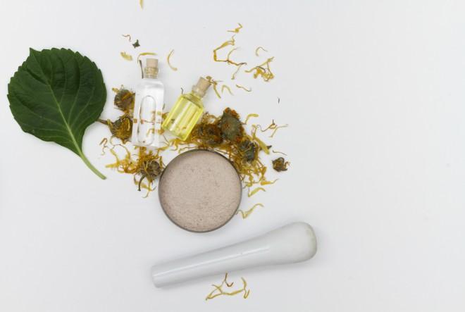 Eterična ulja – učinkovita pomoć dijeti