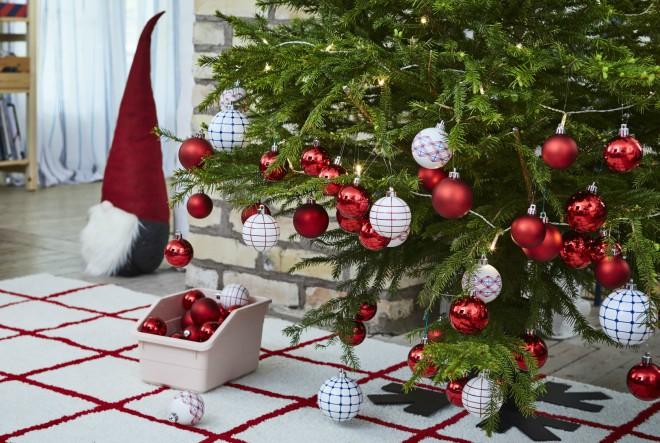 Tko želi nove božićne dekoracije?