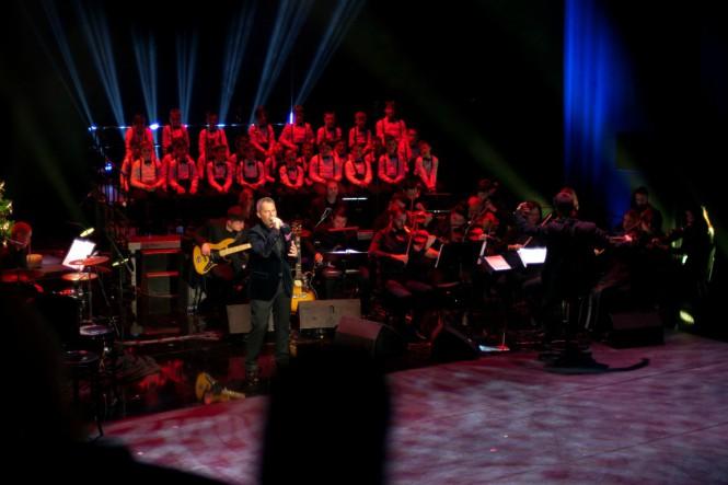 Dugo iščekivani božićni koncert slavnog tenora izazvao ovacije brojnih poznatih uzvanika
