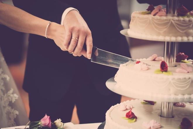 Slatkopedija u suradnji s hrvatskim slastičarnicama zasladit će vjenčanje djelatnicama hitnih službi