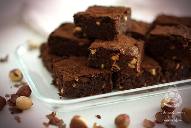 Jednostavno neodoljivi – Brownies s lješnjacima