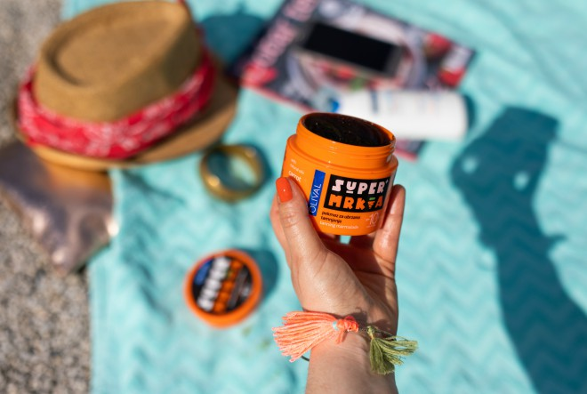 Tradicionalna njega kojoj mediteranske žene duguju svilenkastu preplanulu put u bočici Olival SUPER Maslina ulja za sunčanje
