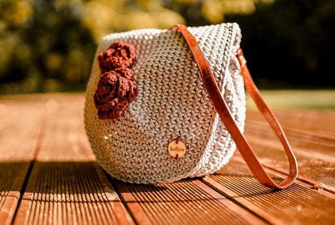 Neodoljive heklane torbice obogatile jesen