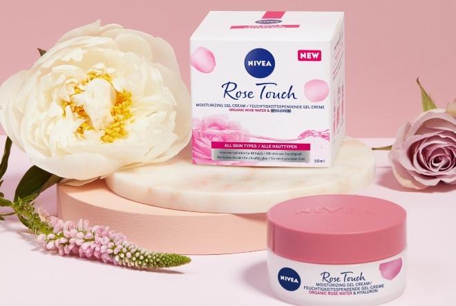 NIVEA Rose Touch linija s organskom ružinom vodicom za zdrav izgled kože koja diše