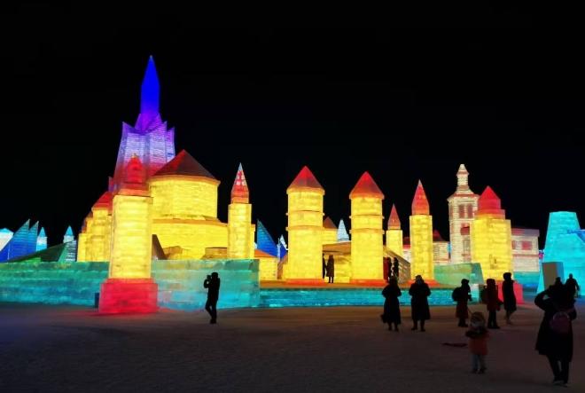 """""""Ledena"""" Dioklecijanova palača glavna atrakcija na svjetskom Festivalu snijega i leda u kineskom Harbinu"""