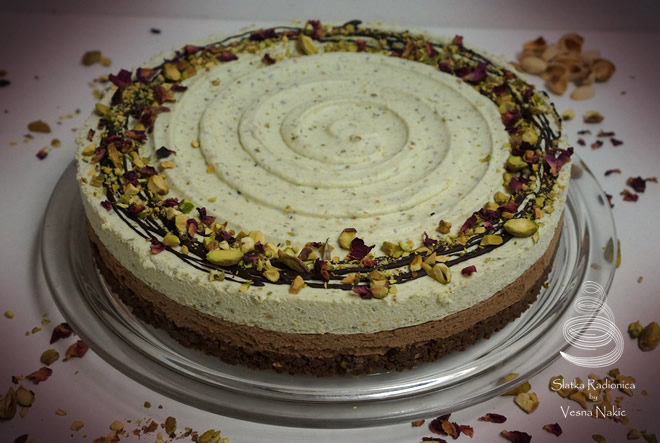 Hrskava torta od pistacija i čokolade bez pečenja