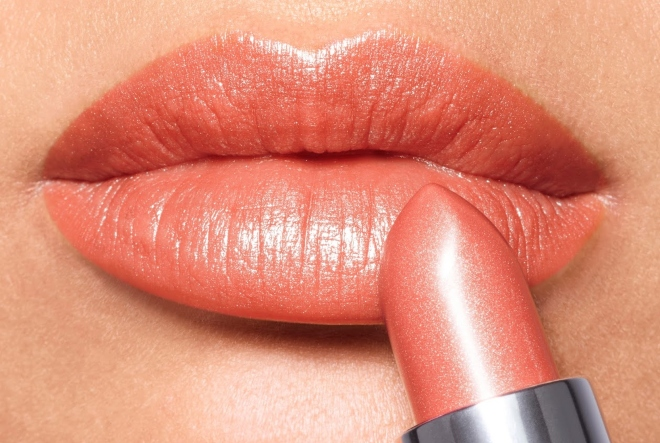 Avon True Ultra nijanse vraćaju ruž na vaše usne